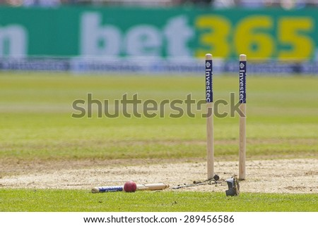 NOTTINGHAM, ENGLAND - July 12, 2013: The middle stump and ball lay on the ground after Kevin Pietersen was bowled by James Pattinson during the first Ashes Test match at Trent Bridge Cricket Ground