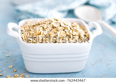 Oat flakes in bowl #762443467