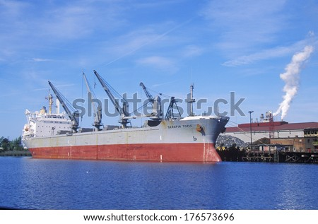 Ocean barge at the Georgetown Steel Corporation in Georgetown, North Carolina #176573696