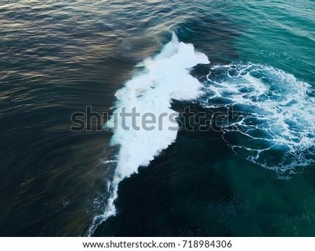 Ocean Contours #718984306