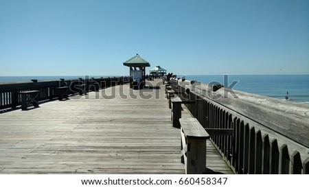 Ocean Pier #660458347