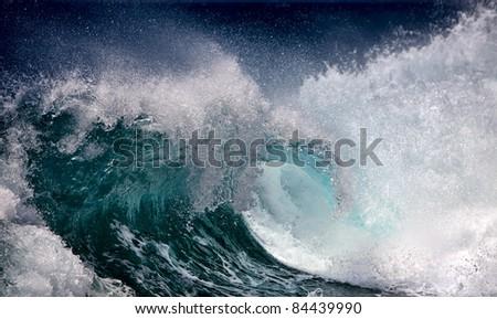 Ocean wave #84439990
