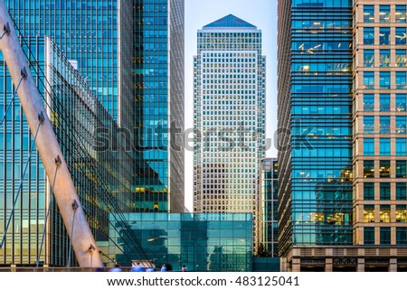 Office buildings and South Quay footbridge in Canary Wharf, London #483125041