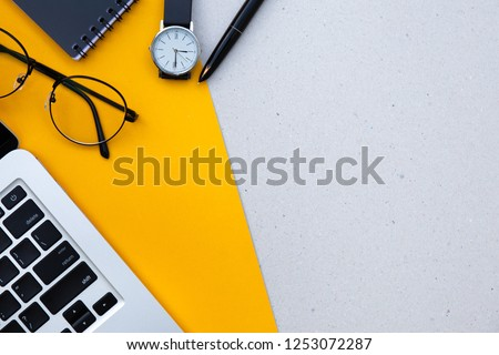 office desk table on yellow background empty copy space for text design studio creativity ideas for business equipment modern accessories at workplace.blogging,blog concept Foto stock ©