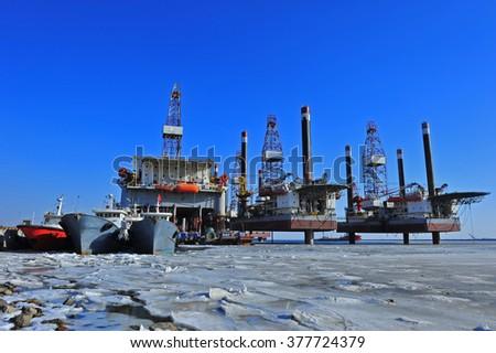 Offshore drilling platform #377724379
