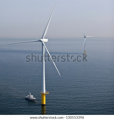 Offshore wind turbine maintenance #130553396