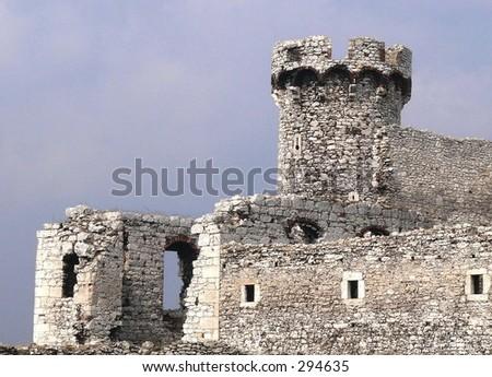 Ogrodzieniec castle wedding