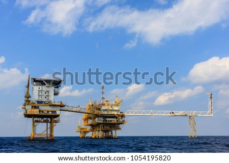 Oil and Gas central processing platform and remote platform produced natural gas and liquid condensate for set to onshore refinery #1054195820