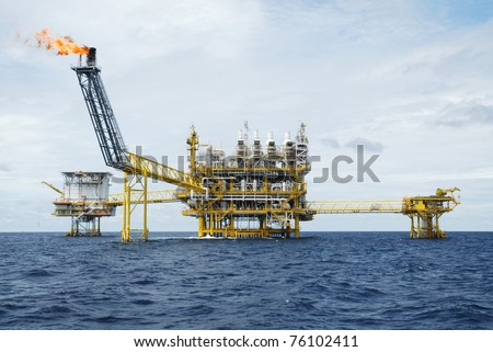 Oil and gas drilling platform