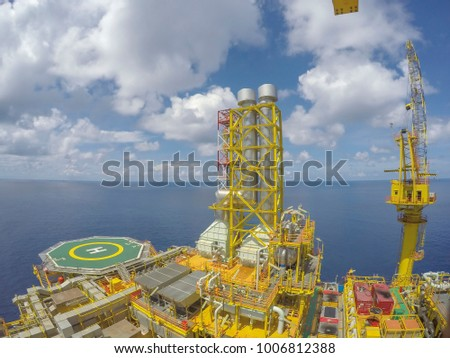 Offshore Jack Up Drilling Rig and The Production Platform for Oil