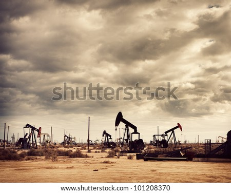 Oil Field in Desert, Oil Production