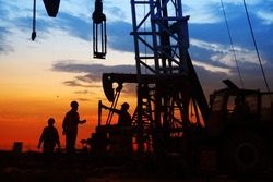 oil field, the oil workers are working