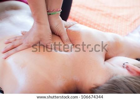 Oil massage is a type of massage in Thai style that involves stretching and deep massage.