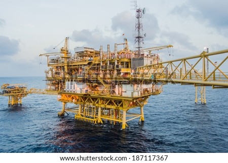 oil platform on the sea