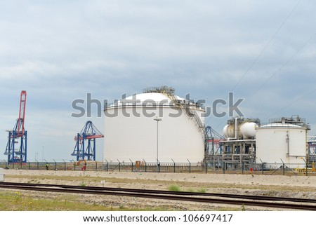 oil refinery in the port of rotterdam