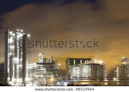 Oil-refinery plant