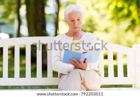 6caf9c1f07512 Free photos Senior woman reading book sit on bench