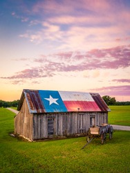 Old barn painted with Texas State flag