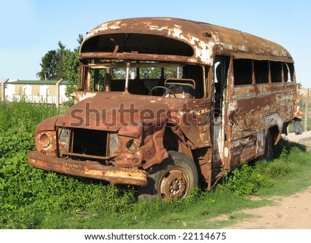 bus, abandoned and rusty.