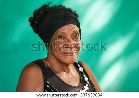 old cuban people and emotions ...