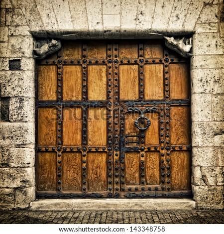 Old door in Burgos (Castilla y Leon), Spain Zdjęcia stock ©