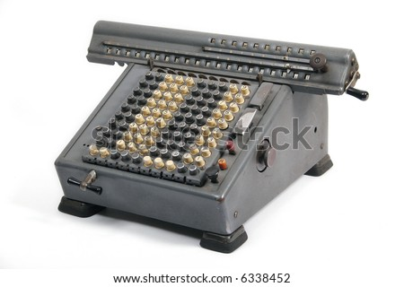 Old electric calculating machine to add and to remain