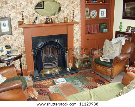 old-fashioned living room
