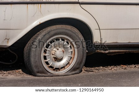 Old flat tire car technology