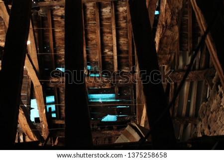 OLD FRAMEWORK, CARHAIX