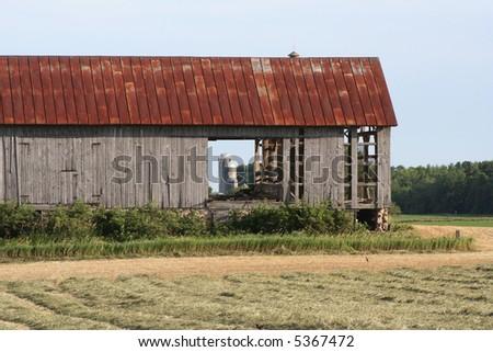 old grey barn in Wisconsin