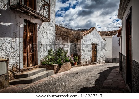Old house and street in gran canaria island village on hdr shoot