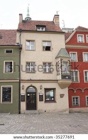 stock-photo-old-houses-in-historic-center-of-poznan-poland-35277691.jpg