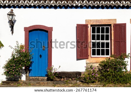 Old houses located in the historic city of Brazil / Baroque architecture / Colonial houses of Brazil