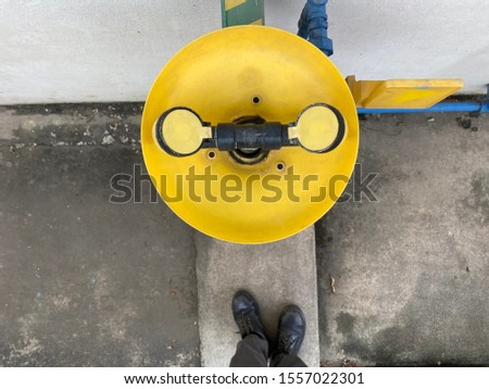 Old in industrial plants yellow Chemical protection Eye protection