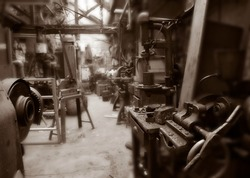 OLD MACHINERY IN DERELICT TEXTILE MILL YORKSHIRE ENGLAND