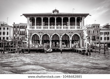 old palace on grand canal ...