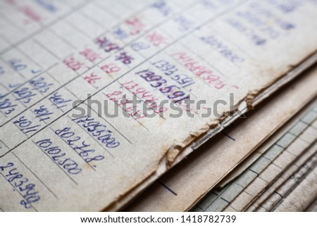 Old paper documents in the archive. Bookkeeping (accountancy). Hand-written calculations. Foto stock ©