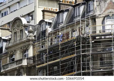 old parisian building in renovation