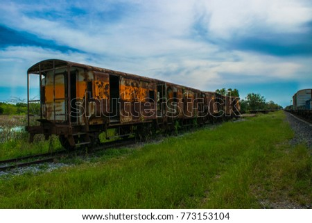 Old rusty and worn train #773153104