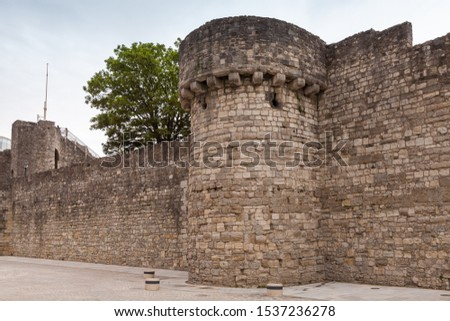 Old stone towers of Southampton town walls, it is a sequence of defensive structures built around the town in southern England #1537236278