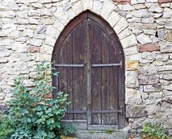 Old stone wall and wooden door, Strahlenburg, Schloss Strahlenberg, Schriesheim, Germany