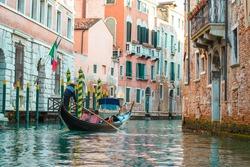 old street venezia and dridge