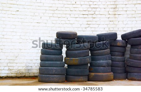 Old tires #34785583