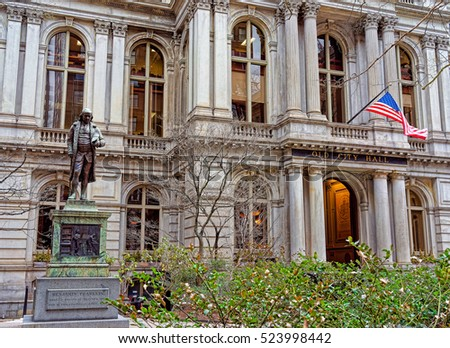 Old Town Hall with Benjamin Franklin Statue at downtown Boston, Massachusetts, the United States.