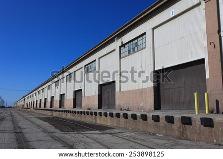 Old warehouse, San Pedro. Port of Los Angeles, #253898125