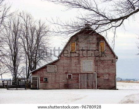 old weathered farm building red barn