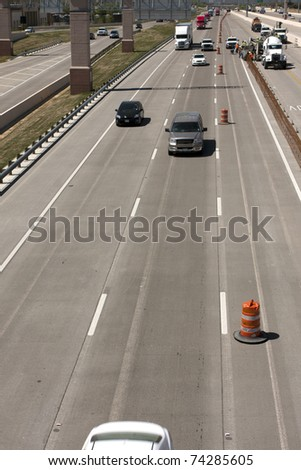 Oncoming traffic on an interstate highway with construction
