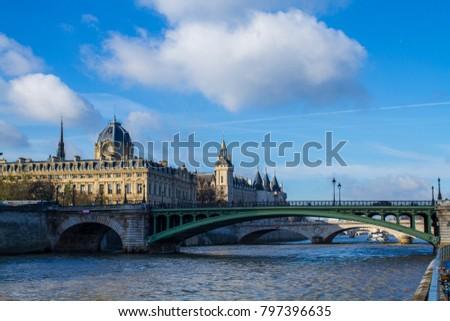 Shutterstock One day in the river sena (Paris)