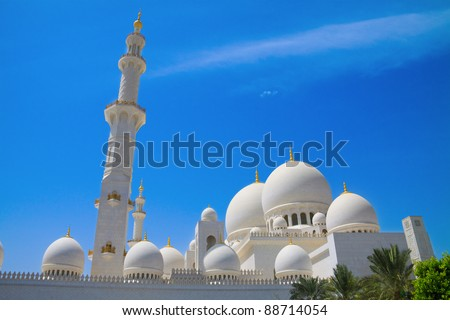 One of the biggest mosques in the world in Abu Dhabi, UAE