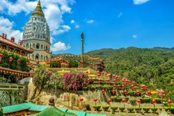 One of the most famous Temple located in Penang, Malaysia called 'Kek Lok Si'. In English we called it 'Peace Temple'. The construction start since 1890. It's a trademark of Penang Island.